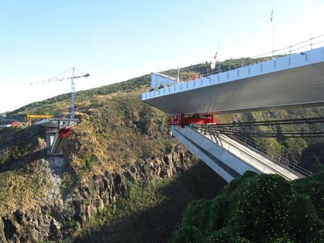 Viaduc de la Grande Ravine. Après le lançage L3 en rive gauche