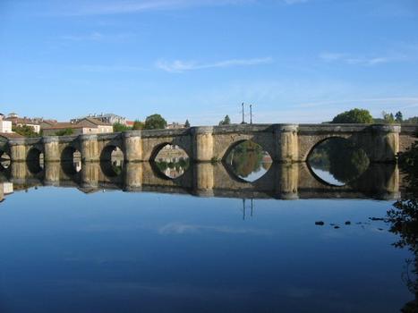 Pont-Vieux, Confolens