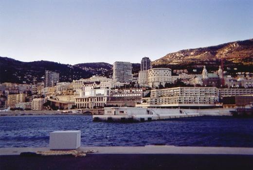 Gegenpier am Hafen La Condamine in Monaco