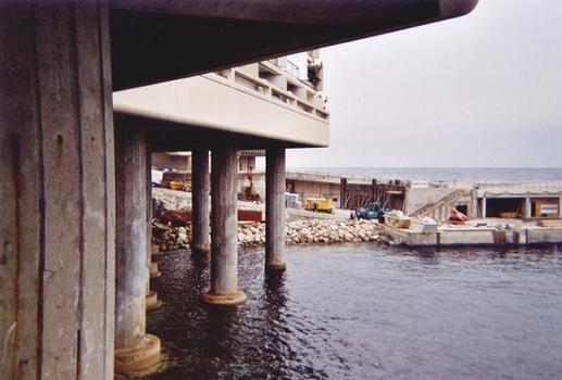 Gegenpier am Port de la Condamine in Monaco