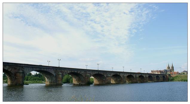 Pont Règemortes, Moulins