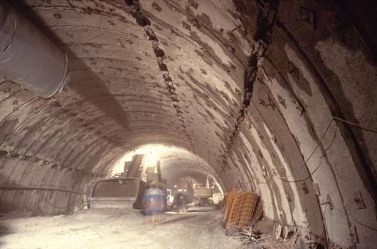 Inntaltunnel - top heading excavation in heavily squeezing rock