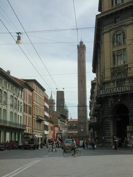 Asilnelli-Turm, Bologna