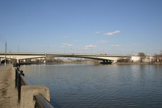 Avtozavodsky-Strassenbrücke, Moskau