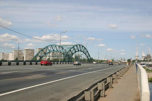 MKAD - Besedinsky most franchissant la Moskva