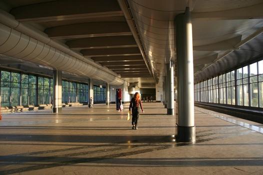 Metrobahnhof Worobyovy Gory, Moskau