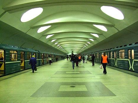 Metrobahnhof Altufjewo