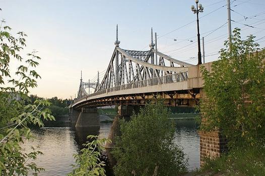Starovolzhsky-Brücke