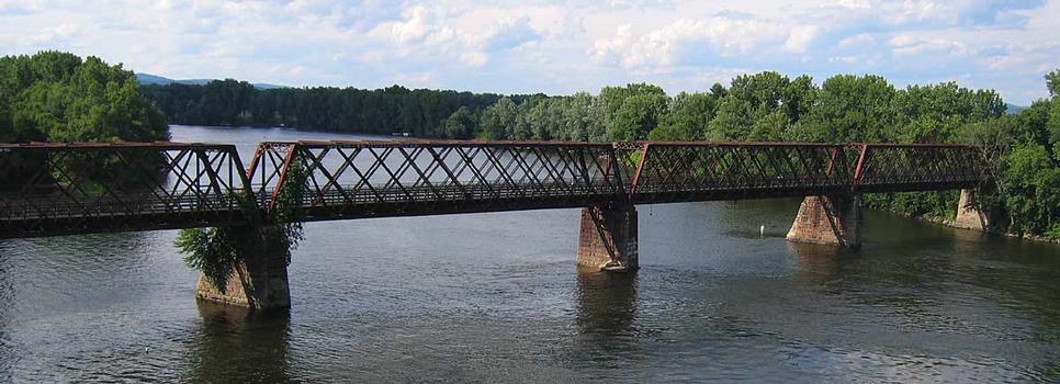 Norwottuck rail trail bridge