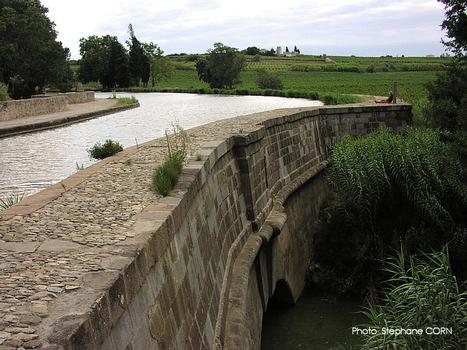Répudre Canal Bridge
