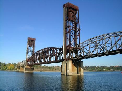 B.N.S.F. - 5.1 Willamette River Bridge