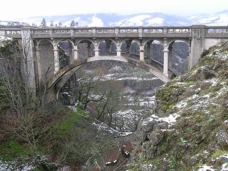 Dry Canyon Creek Bridge