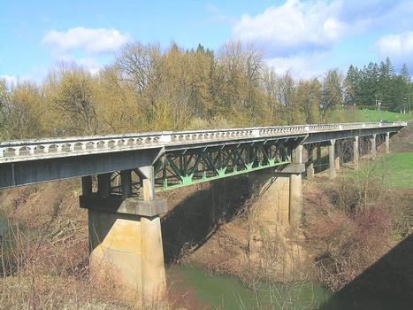 North Yamhill River Bridge