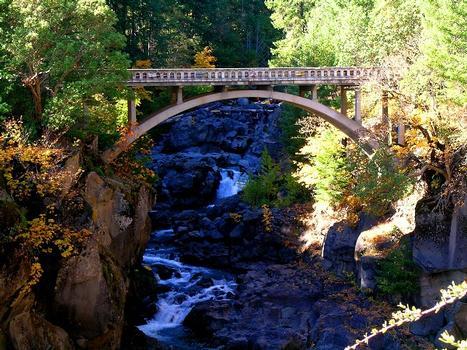 Upper Rogue River Bridge