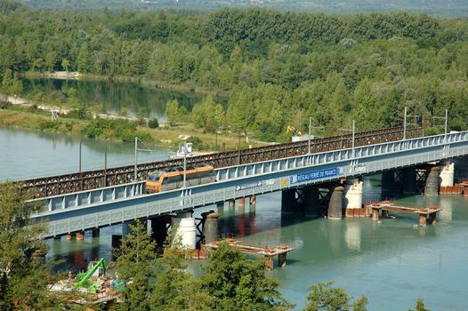Pont de Culoz (entre Culoz et Vions) - Nouveau pont en service