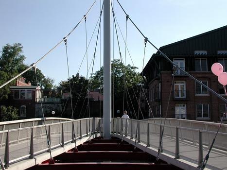 William O. Lee Memorial Bridge at Carroll Creek Park, Frederick, MD, USA