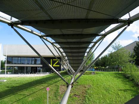 Stuttgart - Allmandring Footbridge