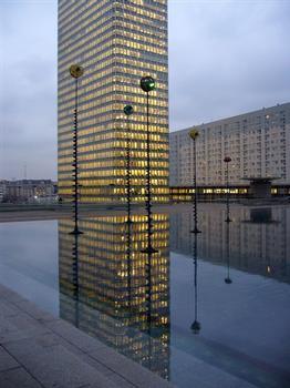 Paris-La Défense – Tour Initiale