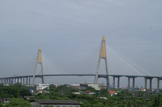Kanchanaphisek Bridge, Bangkok Thailand
