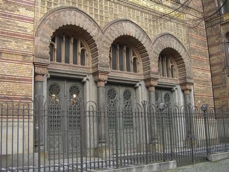 Jüdische Synagoge in der Oranienburger Straße in Berlin Mitte