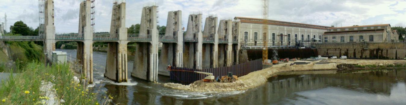 Amont, barrage et usine, plan d'eau à sec