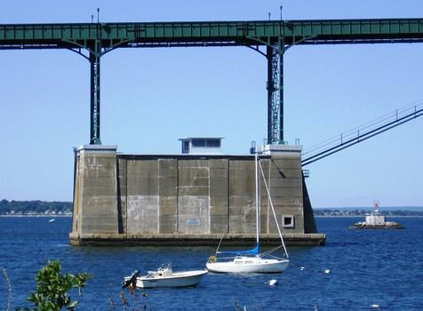 Mt. Hope Bridge, between Portsmouth and Bristol, Rhode Island, USA.