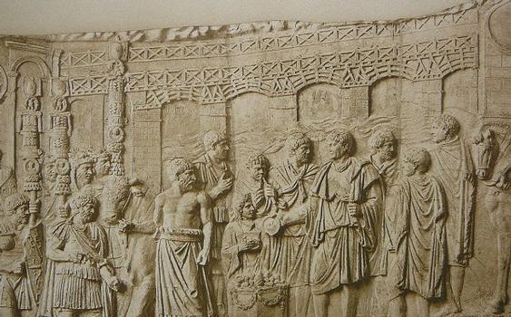 """Source: Conrad Cichorius: """"Die Reliefs der Traianssäule"""", Zweiter Tafelband: """"Die Reliefs des Zweiten Dakischen Krieges"""", Tafeln 58-113, Verlag von Georg Reimer, Berlin 1900"""