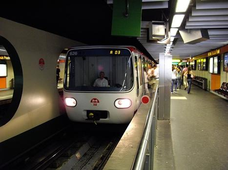 Metrobahnhof Hôtel de Ville