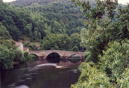 Pont de Ménat