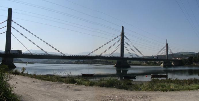 Viaducto sobre la ría del Asón