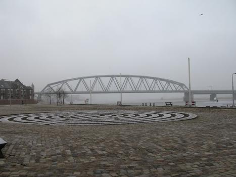 Pont ferroviaire de Nimègue