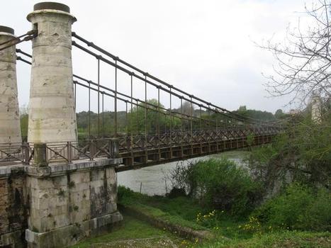 Minturno, Ponte Pensile Borbonica (1832)