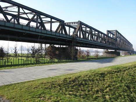 Duisburg-Hochfeld, Eisenbahnbrücke, 1927