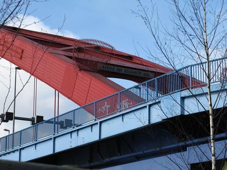 Duisburg, Brücke der Solidarität