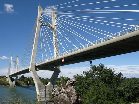 Beaucaire-Tarascon, Rhône-Brücke