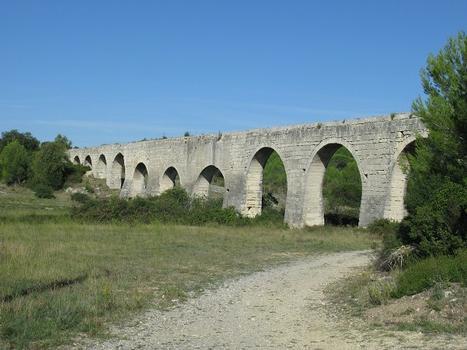 Castries, Pont de Tourilles, außerhalb des Ortes liegender Teil des Aquäduktes
