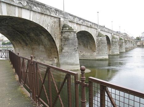 Pont Cessart