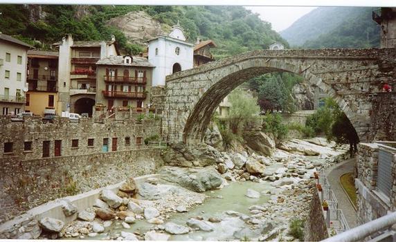 Pont de Pont-Saint-Martin