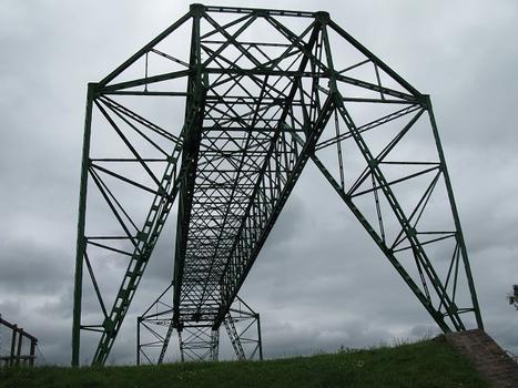 Osten Transporter Bridge