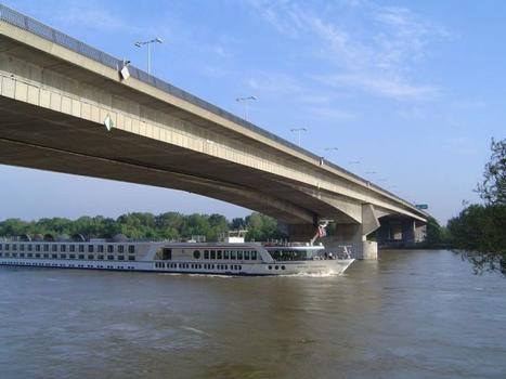 Lafranconi Bridge, Bratislava