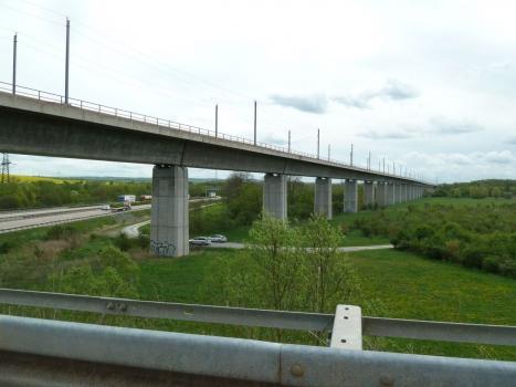 Geratalbrücke der Eisenbahn-Neubaustrecke Ebensfeld-Erfurt bei Ichtershausen