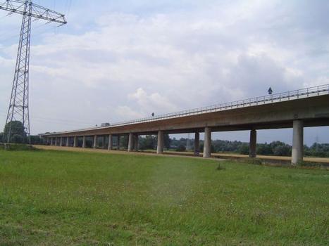 Neckarbrücke der A6 in Neckarsulm