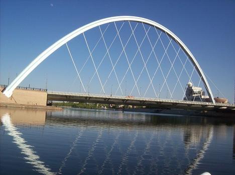 Bogenbrücke Astana