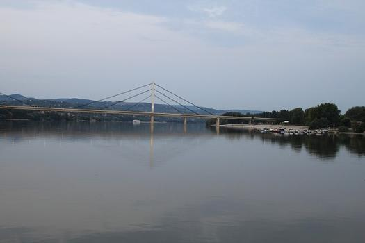 Most Slobode