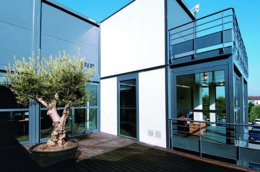 Moderne Architektur mit Modulbau Bild
