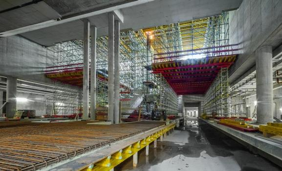 The extremely flexible PERI UP modular scaffolding can be optimally adapted to suit the loads to be transferred thanks to its consistent 25-cm grid dimensions. The combination with other rentable system components from the comprehensive PERI product range ensures very cost-effective fulfillment of all requirements.