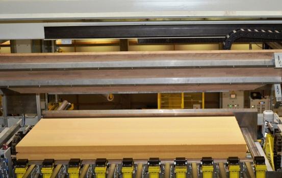 Von Natur aus fortschrittlich    Mit Holzfaserdämmstoffen und Holzfaser-Wärmedämmverbundsystemen lässt sich heute schon das Passivhausniveau erreichen, das in absehbarer Zukunft für etwa vier Fünftel aller Gebäude in Deutschland gelten soll.