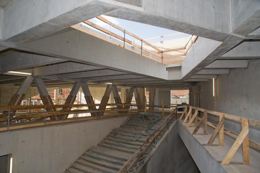 Ein anspruchsvoller Sichtbeton-Bau: Der Neubau des Hörsaal und Campus Center in Kassel.