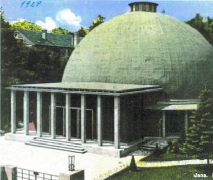 Mit Hilfe von Flüssigkunststoff konnte die ursprüngliche grüne Teerbahn-Optik aus den 1920er Jahren wieder hergestellt werden – zu sehen auf diesem Postkartenmotiv von 1929