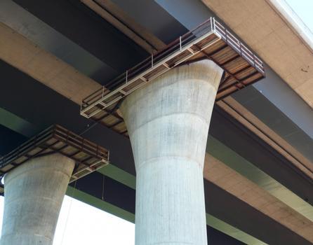 Funktional und ästhetisch: Die Autobahndirektion Nordbayern legt großen Wert darauf, dass die Transparenz im Talraum erhalten bleibt. Die längste Stützweite der neuen Brücke misst 107 Meter.